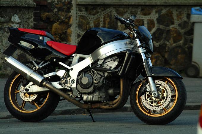 roue 2 ouf le site du stunt en moto photos videos conseils forum news. Black Bedroom Furniture Sets. Home Design Ideas